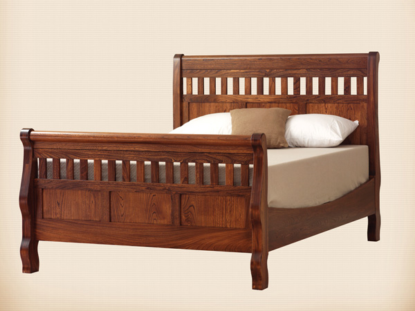 Country Slat Panel Sleigh Bed